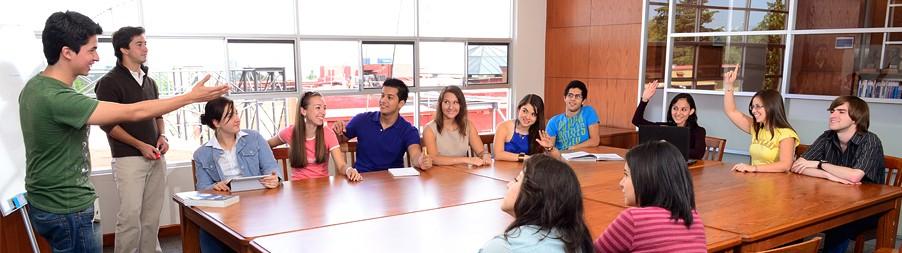 División académica de Economía, Derecho y Ciencias Sociales